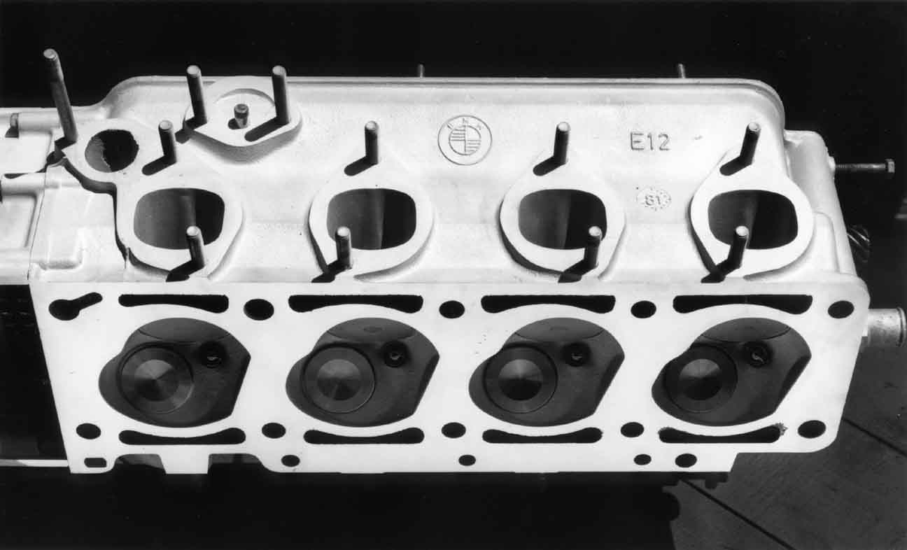 Intake Ports & Combustion Chambers #1